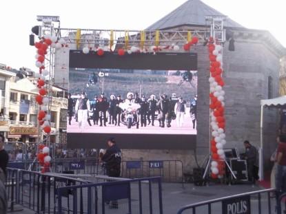 Taksim Meydanı Sergi Girişi