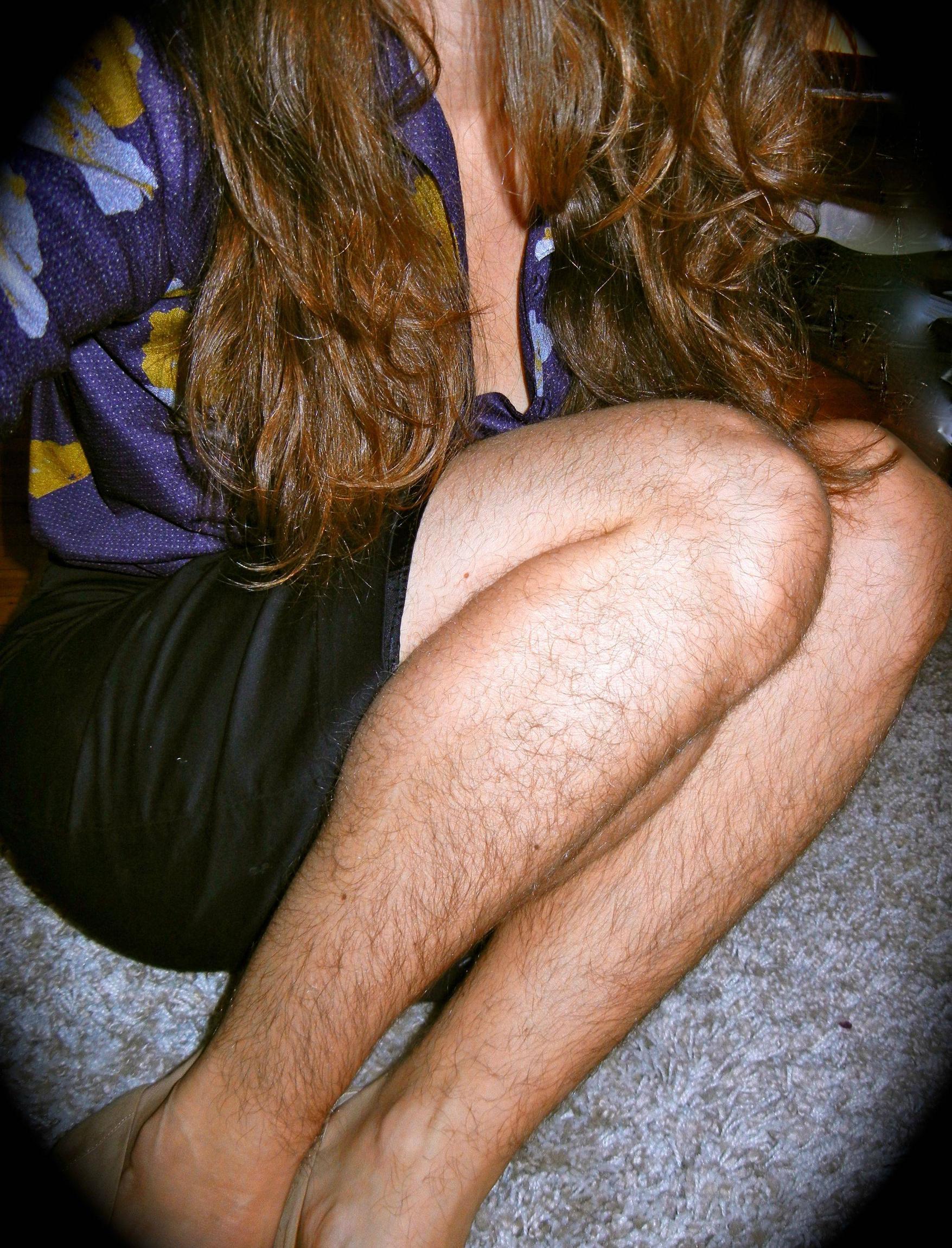 Волосатые ноги женщин 2 фотография