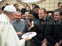 Papa Türk Kası'yla tanışıyor