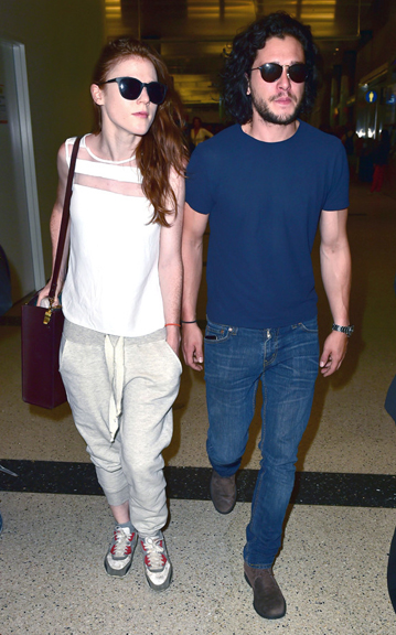 """Game of Thrones"" stars Kit Harington and Rose Leslie are a cute pair at LAX"