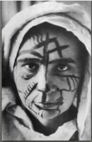 Nataliya Gonçarova, 1913. Futurist makyaj. Fotoğraf: Youtube