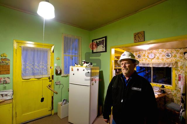 Edith Macefield'in ölümünden sonra Barry Martin'in evin içinde çekilmiş bir kaç fotoğrafı var.