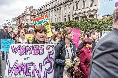 Yİrlanda Referandumunun Çelişkisi: Kürtaj Yasağının Ötesi, Eşcinsel Evliliğe Evet Kampanyasının Berisi