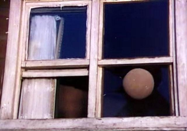 Kırılmak üzere olan bir cam -Devlet Kuşu filminden