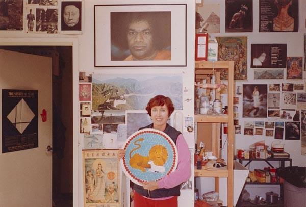 YTanıştığımıza Memnun Oldum Joan Brown