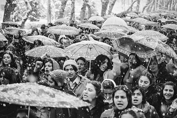 iran-kadinlar-protesto-7