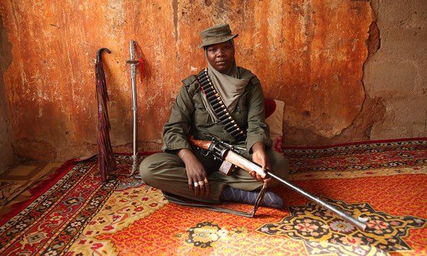 YAisha Eskiden Antilop Avlıyordu, Bugün Boko Haram'ın İzini Sürüyor