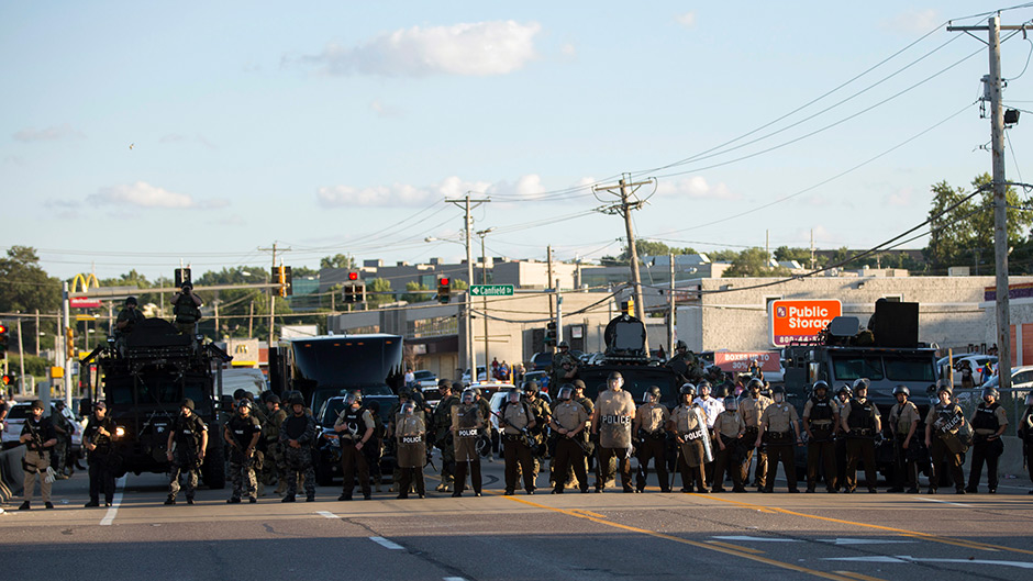 police-block-the-street-in-the-us-town-of-ferguson-data