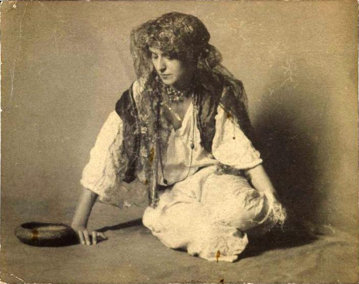 YHalide Edib'in İlk Romanı: Çingene Kızı