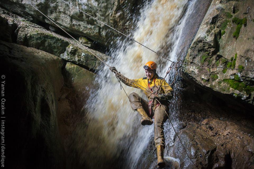 YRöportaj: Suyun Kaybolduğu Yer Mağara