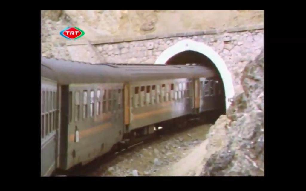 """YRöportaj: Tülin Sertöz ile """"Tren Penceresinden Bu Diyar"""" Belgeseli"""