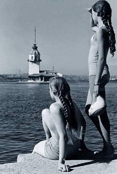 YSalacak'ta İki Kız