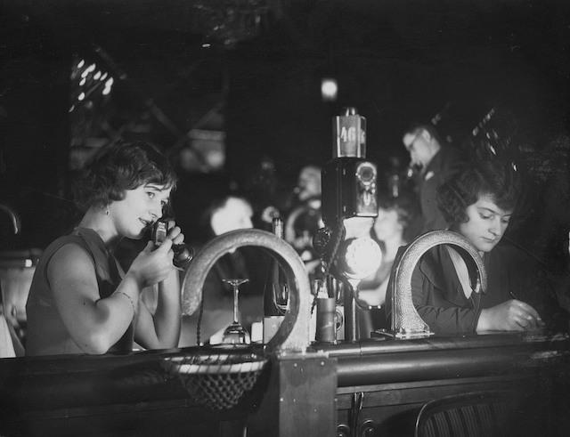 Y1920'lerde Berlin Gece Kulüplerinde Pnömatik Tüple Flört