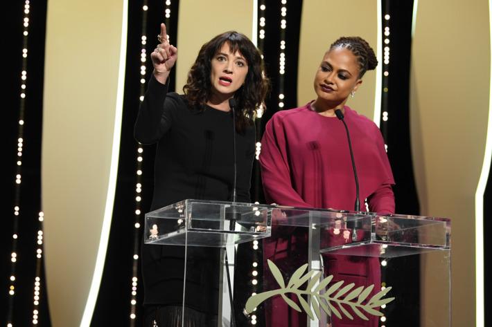 YAsia Argento Cannes'ı Kapattı: Bunların Yanınıza Kalmasına Artık İzin Vermeyeceğiz