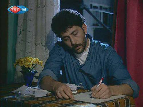 YRica Ediyorum Yusuf,Sen Mahallenin Romanını Yazma!