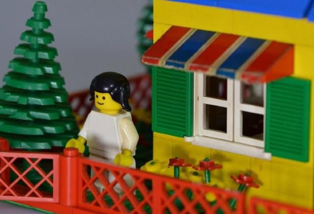 YEvde Kalmışlar İçin Lego Evler
