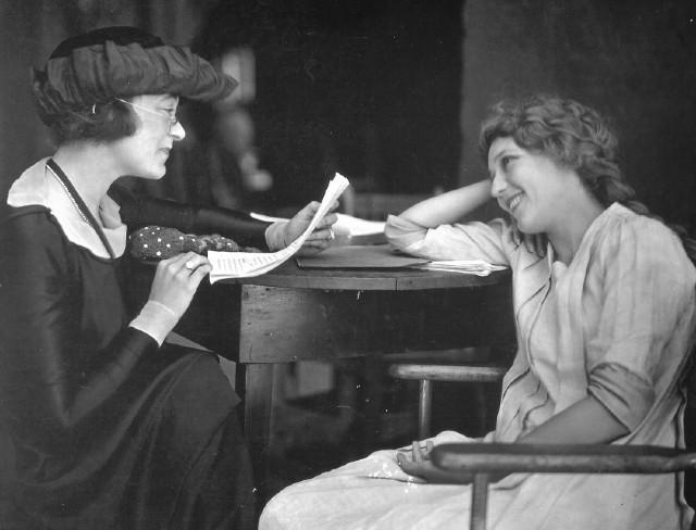 YSadece Kadın Yazarlar Okuyorum