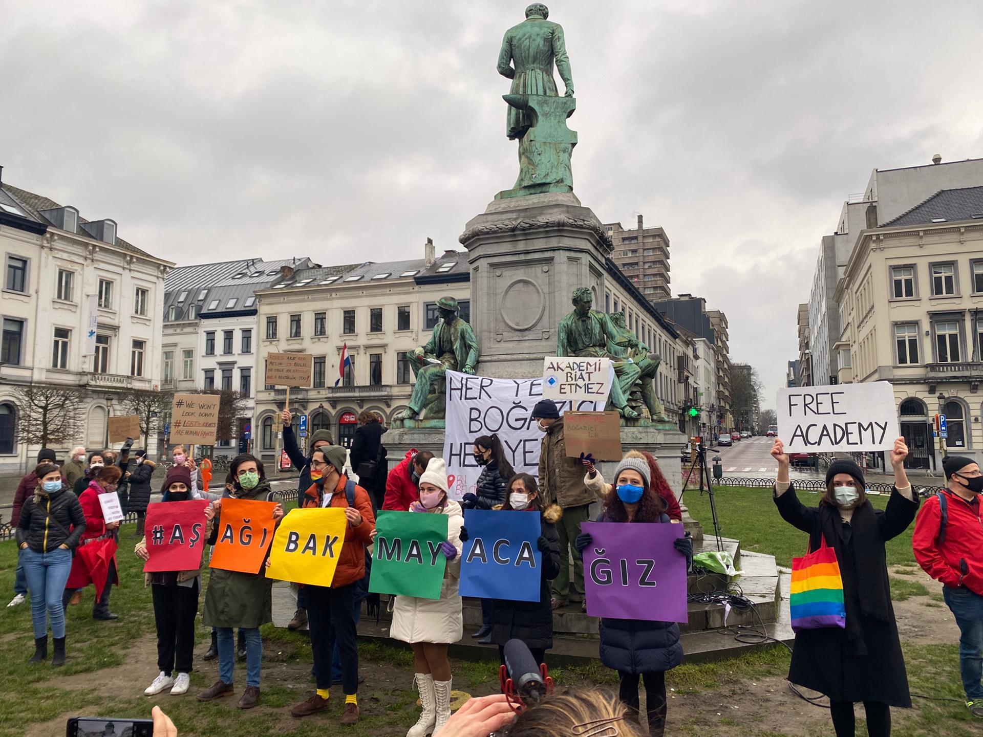 YDünya'dan Boğaziçi'ne: Dayanışmayla